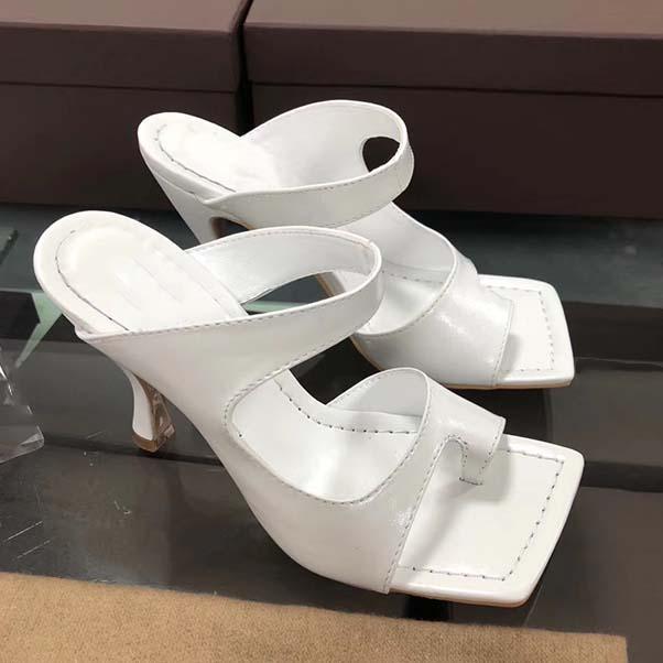 Nuovo progettista Sandali donna Dress scarpe di lusso Flip Flop Nappa sogno punta quadrata delle signore del sandalo Casual Pantofole Tacchi alti 35-42 con la scatola