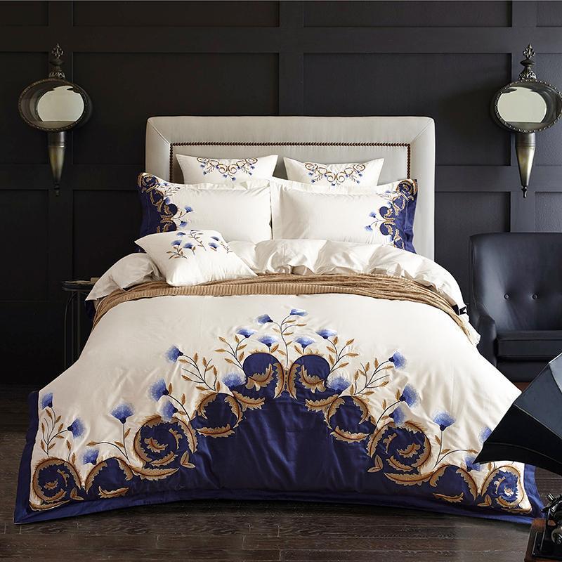Lusso Chic blu ricamato Bedding Set Cotone egiziano Soft White Bed Set Copripiumino lenzuolo Size Set 4 pezzi Re Regina