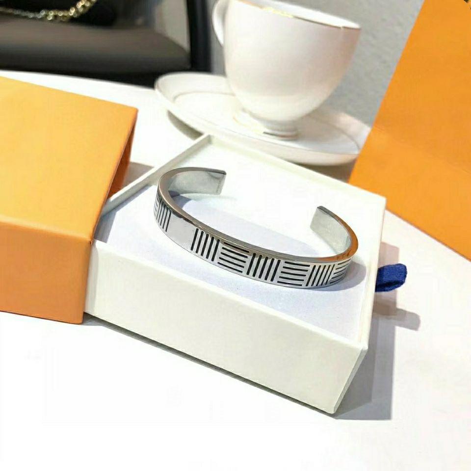 Unisex Armband Öffnung Einstellbare Größe Titanium Stahl Armband Heißer Verkauf Plattierungsbuchstabe Armband Modeschmuckversorgung