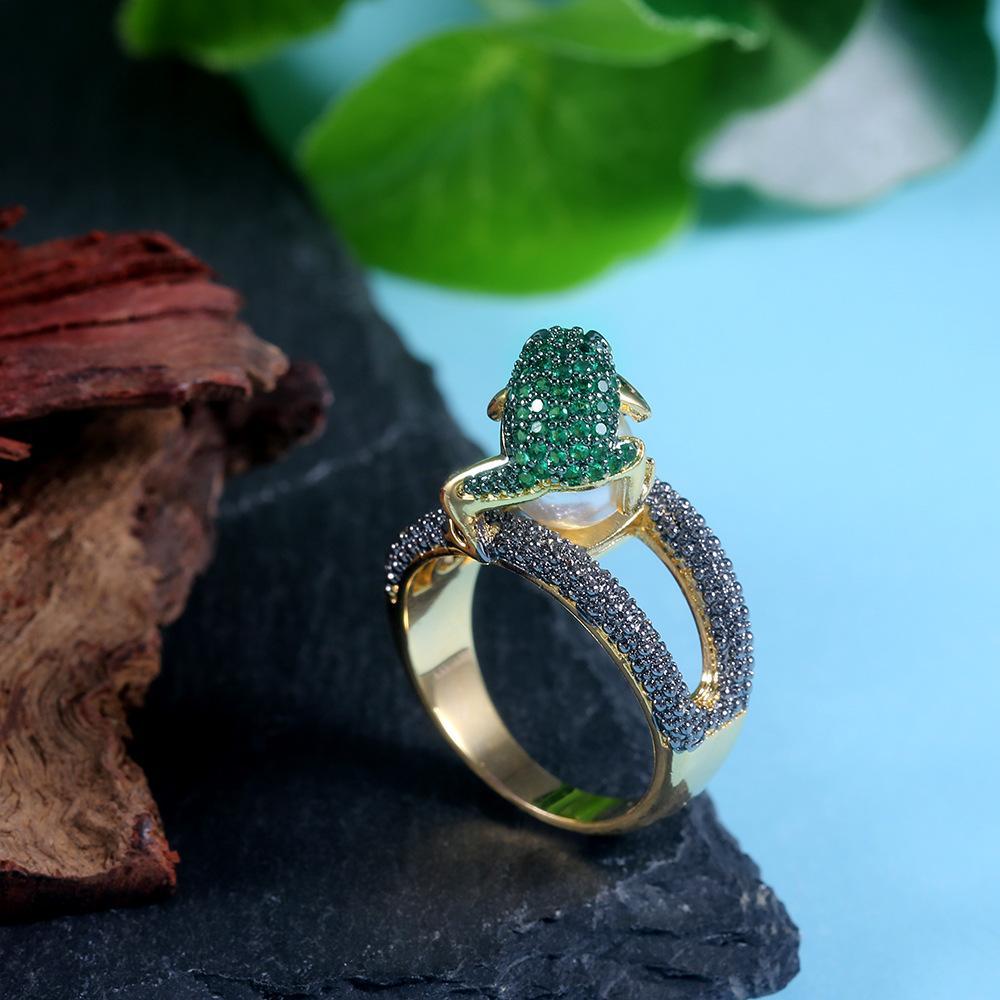 Роскошная Красочный Кристалл Crazy Frog Кольцо для женщин Vintage Имитация жемчуга золотого цвета черного камень Мода животных Ювелирных изделий кольца