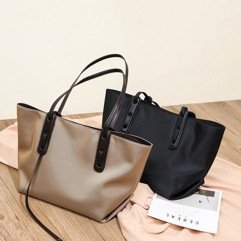 Sac 2020 nouvelle mode Sac à main Womens grande capacité en tissu Oxford épaule Mode sac Tout match sac fourre-tout
