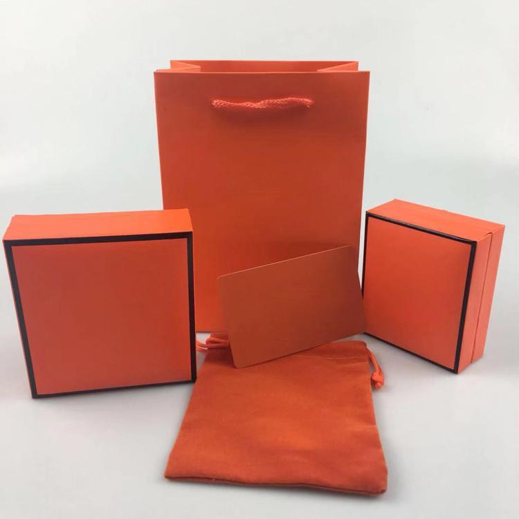 مربع سوار، صندوق قلادة، مربع مجوهرات التعبئة والتغليف الأصلي، شهادة بطاقة الضمان الفانيلا حقيبة يد حقيبة، هدية مربع شحن مجاني