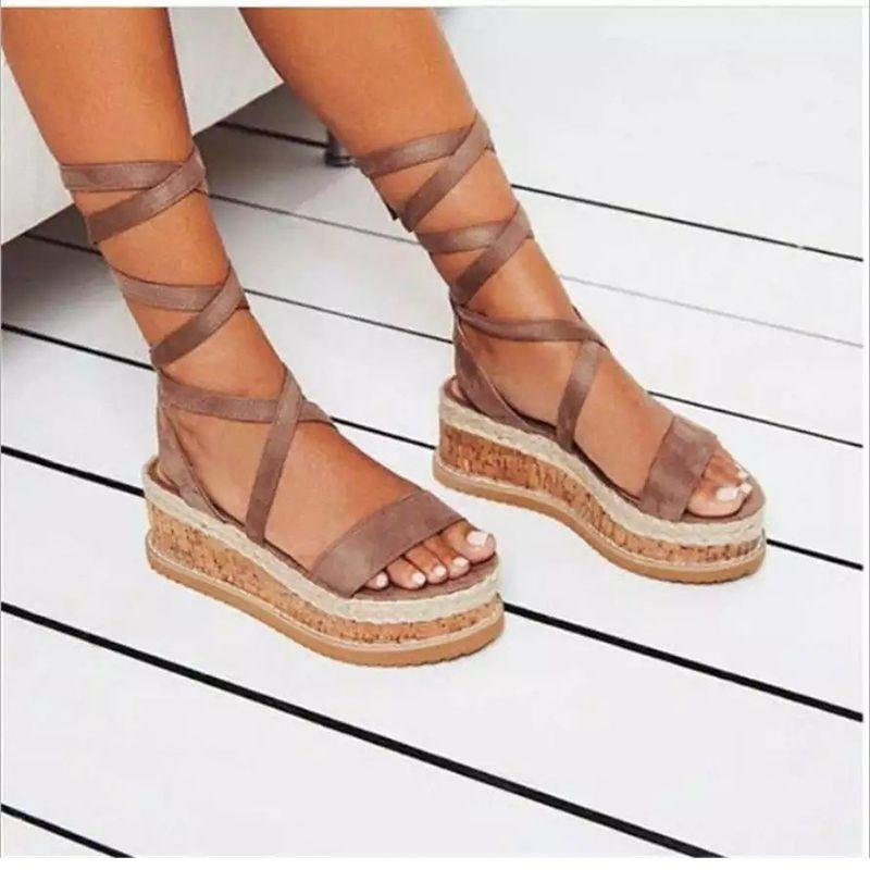 Sapatos casuais Plataforma fêmea da praia de Roma Mulher Sandálias Ladies Verão Mulheres Ankle Straps Gladiator Cunhas das mulheres Plus Size