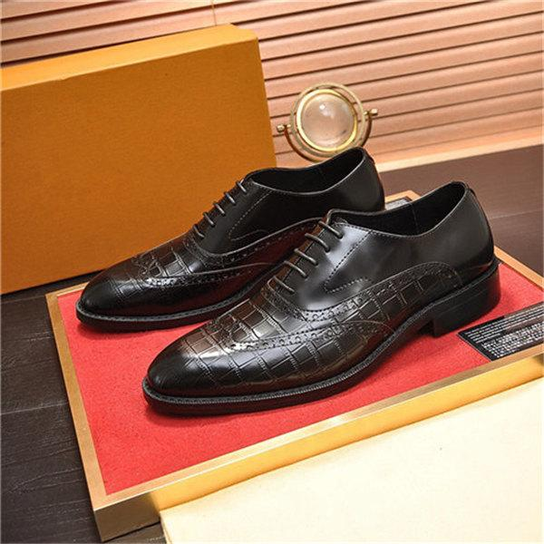 Designer Shoes formelles d'Oxford Hommes de mariage Chaussures en cuir Italie Pointu Robe Hommes Toe Chaussures Sapato Oxford Masculino