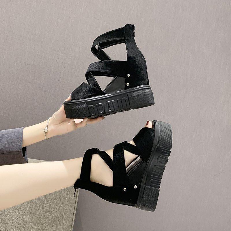 2020 Sommer Chunky-Sandelholz-Frauen 9cm Keil-Absatz-Schuhe weiblichen Reißverschluss-Plattform-Leder beiläufige Sommer Pantoffeln Frau Sandale