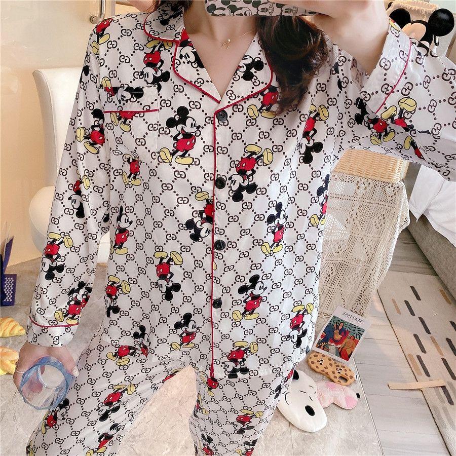 Hot Pigiama Coppie unisex fiore di seta stampato Sleepwear morbida Pajama Set Donne Pajama Imposta uomini maniche Long Lounge Pigiami # 180