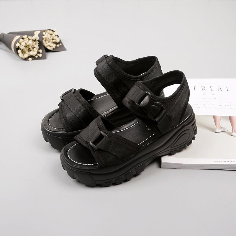 Sandals Womens New poliuretano Plataforma Praia sapatos de cunha simples Velcro salto alto Roman Casual Sapatos Mulheres