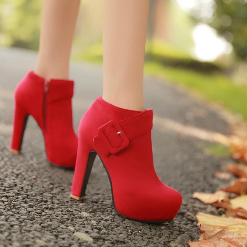 Готовый сток завод Цена моды Sexy Популярные Высокий каблук Внутренняя платформа Женщины Круглый нос платье обуви