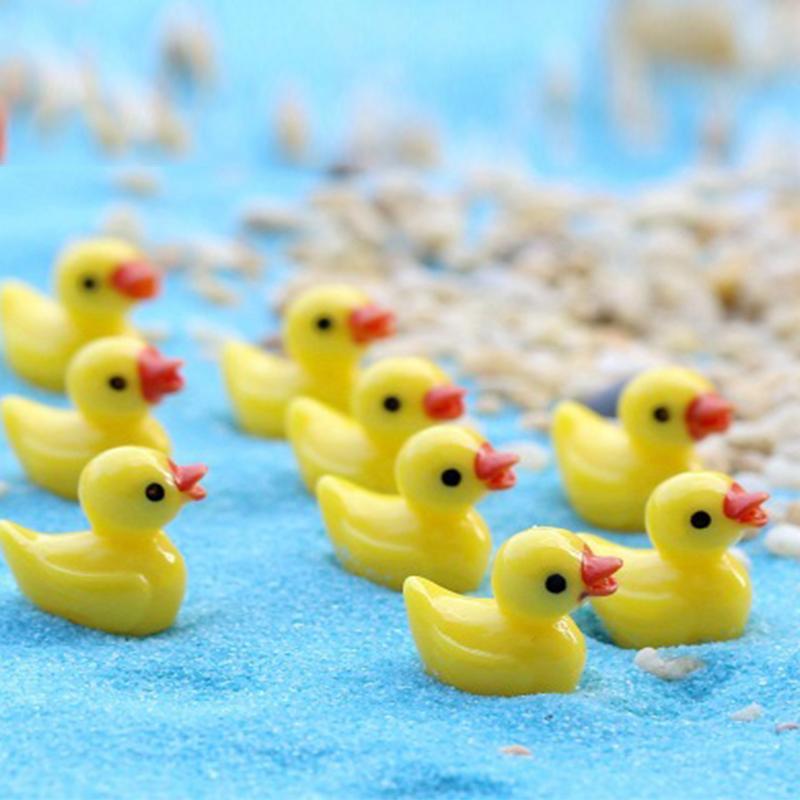 Resina bonito Duck Mini Pato amarelo em forma Modelo Micro Miniatura Moss Paisagem Terrário Decoração DIY Craft BS06