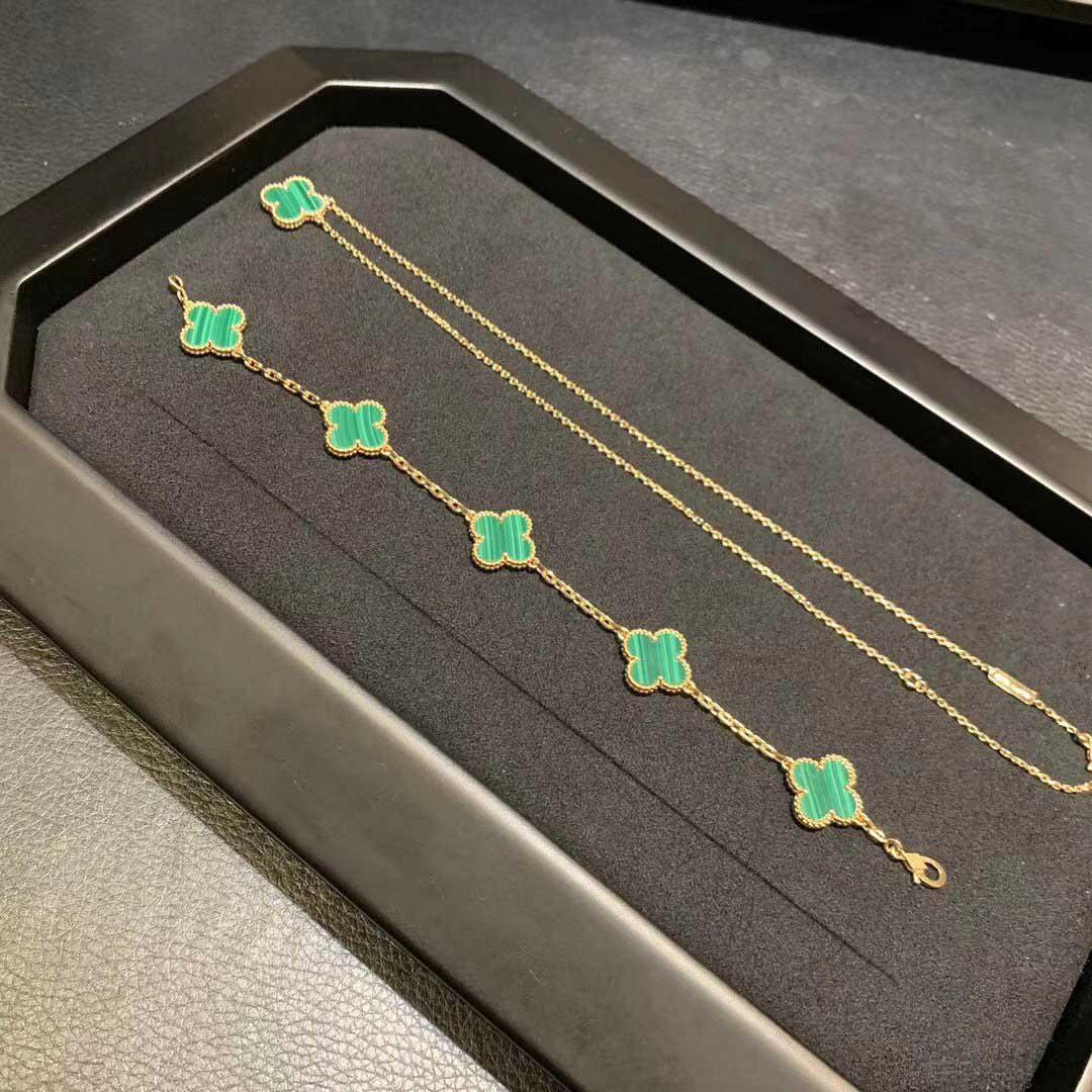 V de metal Luxrious colar de pingente de qualidade com a natureza de pedra verde malaquita em banhado a ouro 18K mulheres charme casamento transporte livre presente da jóia