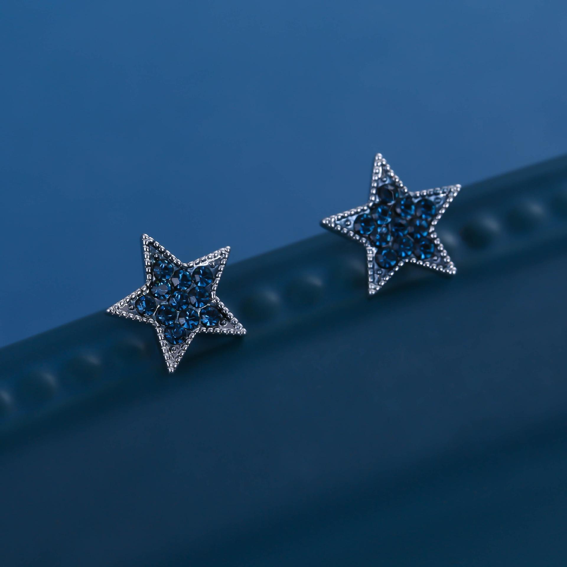 Korean Dongdaemun personnalisé Creative et boucles d'oreilles zircons des femmes Étoile simple mode boucles d'oreilles de Noël