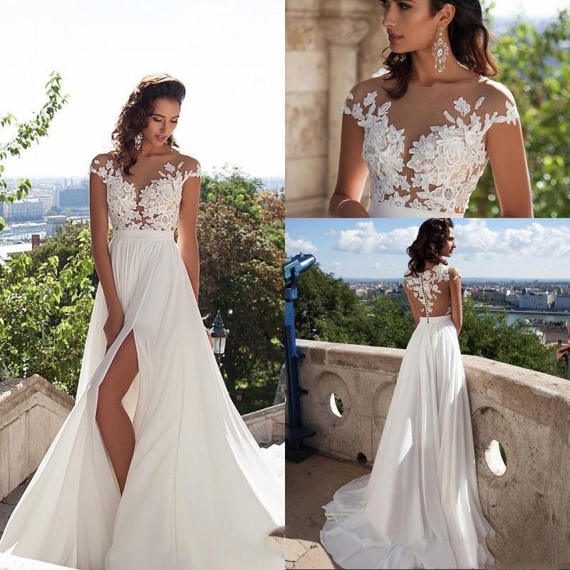 Simple 2021 élégante en mousseline de soie Bohême robes de mariée en dentelle diaphane cou Sans manches Appliques cuissardes Slits plage Robes de mariée