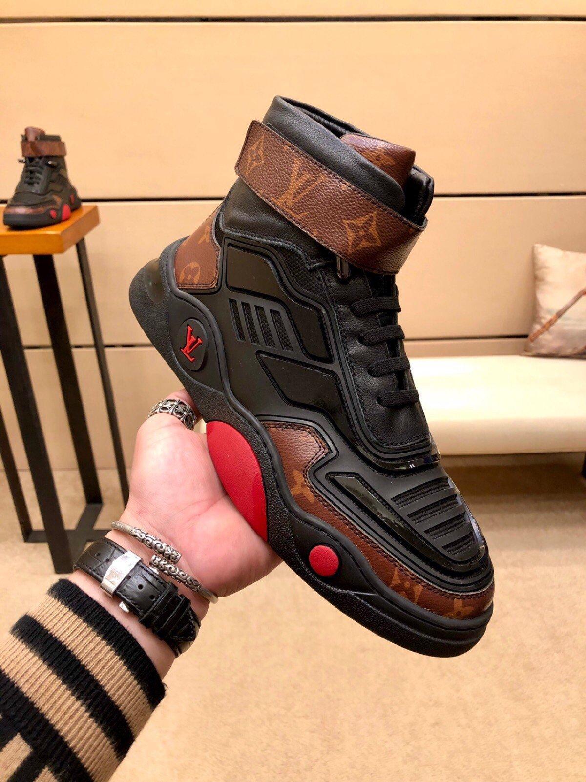 2021c Moda edición limitada Carta de cuero clásico de los hombres '; s, zapatos de alta -Top Zapatos ocasionales de los deportes, de la personalidad salvaje Men'; S Botas