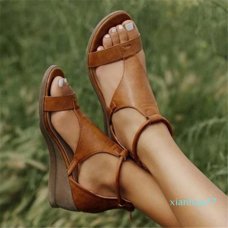 Bant Bayanlar Sandal Ayakkabı yukarı Sıcak stil -Summer Sandalet Kadınlar Çapraz bağ Kadınlar Flats Moda Sandalet Tasarımcı Dantel