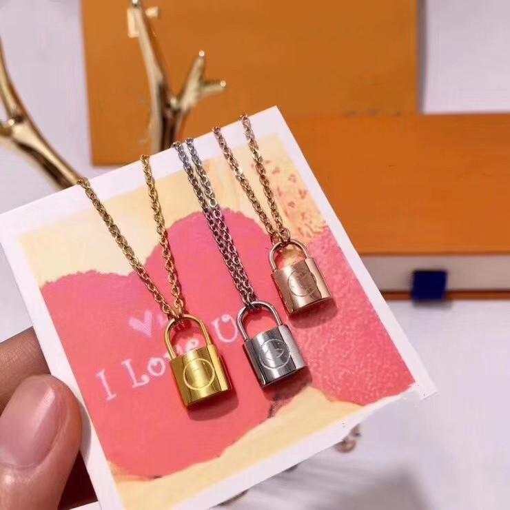 Meilleure vente Colliers de chaînes de serrure Produits Long Collier Collier de style Collier pour Couple Collier Accessoires