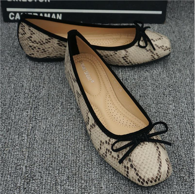 2020 New Autumn Women Slip On Flats Shoes snake Print Shoes Casual Single Ballerina Girls Big Size Shallow Mouth