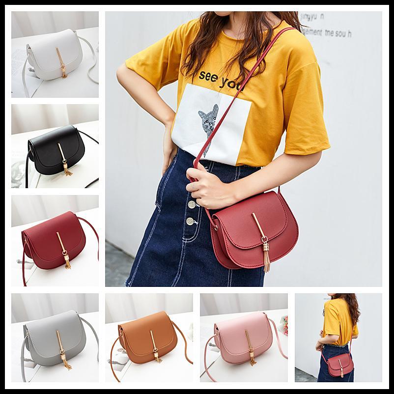 Женщины сумки плеча Мода Мини кисточки Тотализаторов Круглые сумки Кожа PU женские Коммуникатор Crossbody Сумка Модный на открытом воздухе сумка телефон сумка Лучший