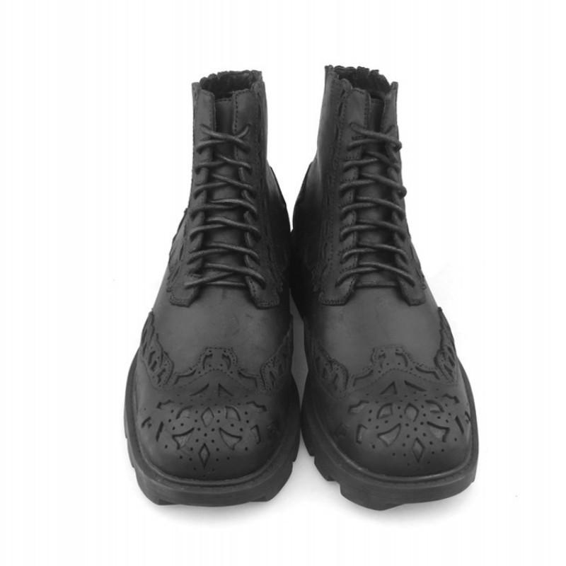 Botas de estilo británico hombres de lujo de cuero de vaca de lujo encaje-up bullock zapatos de tobillo moda 2021 plataforma de motocicleta punk de invierno negro