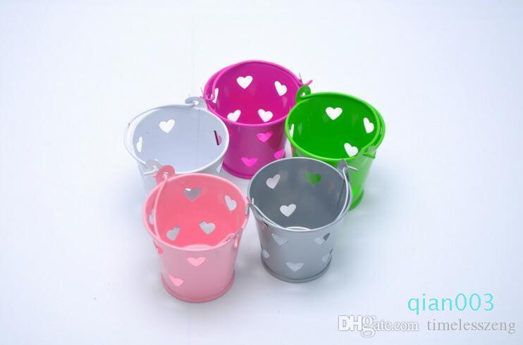 شكل أجوف دلو من القلب مربع الحلوى متعددة الألوان المعدنية مربع الحلو الأطفال المهرجانات والزفاف دش مربع الحلوى