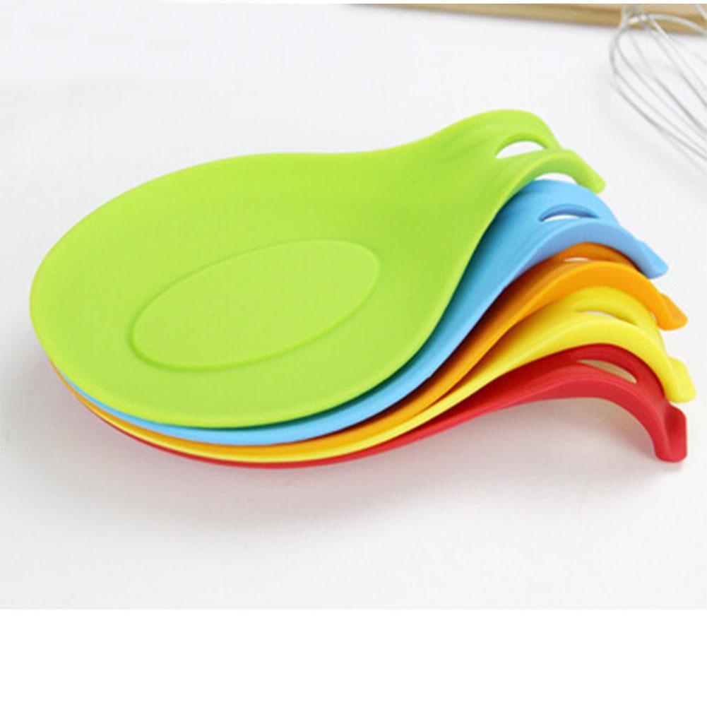1PC Изоляция Mat Термостойкий силиконовый Ложка Placemat Pad случайный цвет Новый