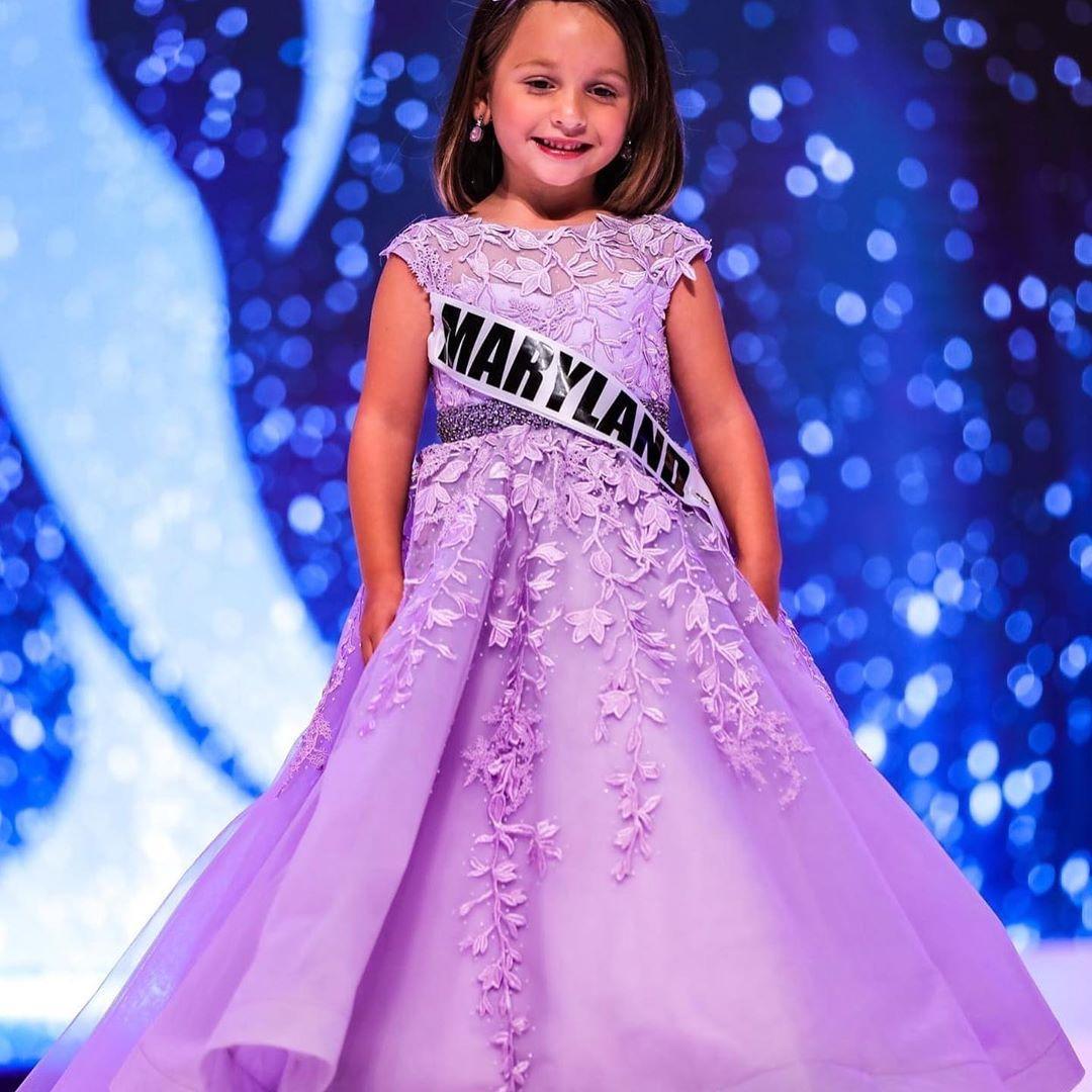 Lavande Fille Robe Pageant 2020 Petite fille Ballgown dentelle robe de cérémonie pour Birthday Party Sans manches lacées Blanc Ligth-Jaune