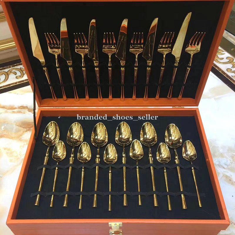 Lüks Altın Renk 24 ADET Paslanmaz Çelik Flateware Set Yemeği Biftek Bıçak Çatal Çay Kaşığı High-end Yemek Seti