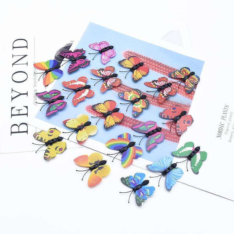 30/100 Stücke 3D-Kunststoff-Schmetterling Multicolor Hochzeit Braut-Accessoires Freiraum Weihnachtsgirlande DIY Geschenkkasten Hauptdekor