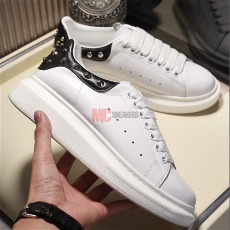 2020 Scarpe Uomo Moda Donna Scarpe da uomo in pelle stringati Piattaforma Oversized Sole Sneakers Bianco Nero Casual Scarpe con la scatola Size 36-45