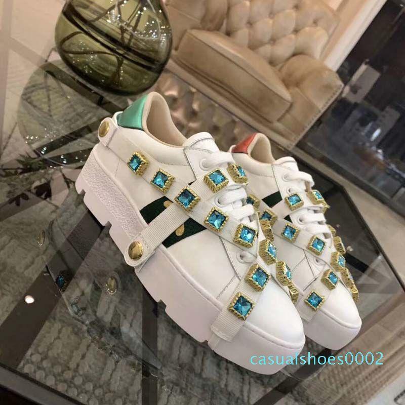 أحذية ايس الجديد مصمم النساء، وأحزمة الأبيض، أحذية نسائية رياضة وترفيه، الأخضر والأحمر المشارب مطرزة بيرل الأفعى والنمر 35-40 C02