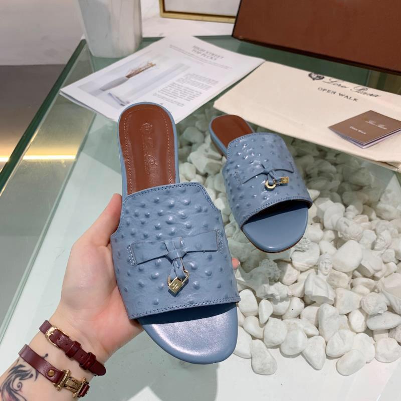 2020 Verão chinelo de couro Designer com fecho de fivela mulheres moda das sandálias Ladies Casual praia Flats New chinelos chinelos