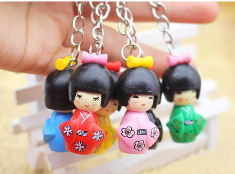 100pcs / Lot mischte japanische Kimono-Mädchen-Schlüsselanhänger Holz Cartoon-Puppe Keychain Puppet Schlüsselanhänger Mädchen Schlüsselanhänger