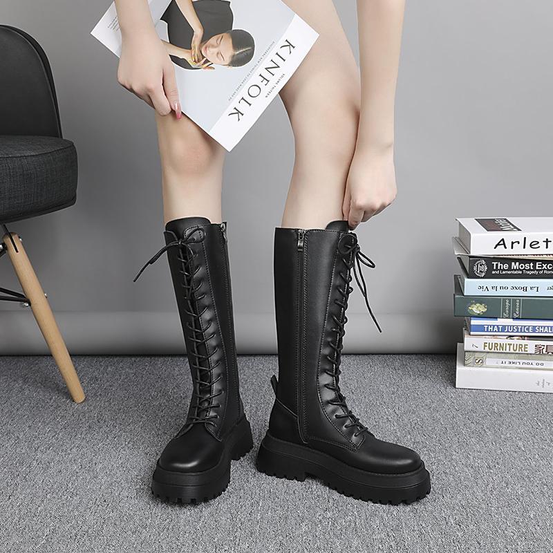 Femmes Bottes de combat 2020 Automne Femme Gothique Plateforme Chaussures en cuir noir Bottes de moto Femmes Mode mi-mollet