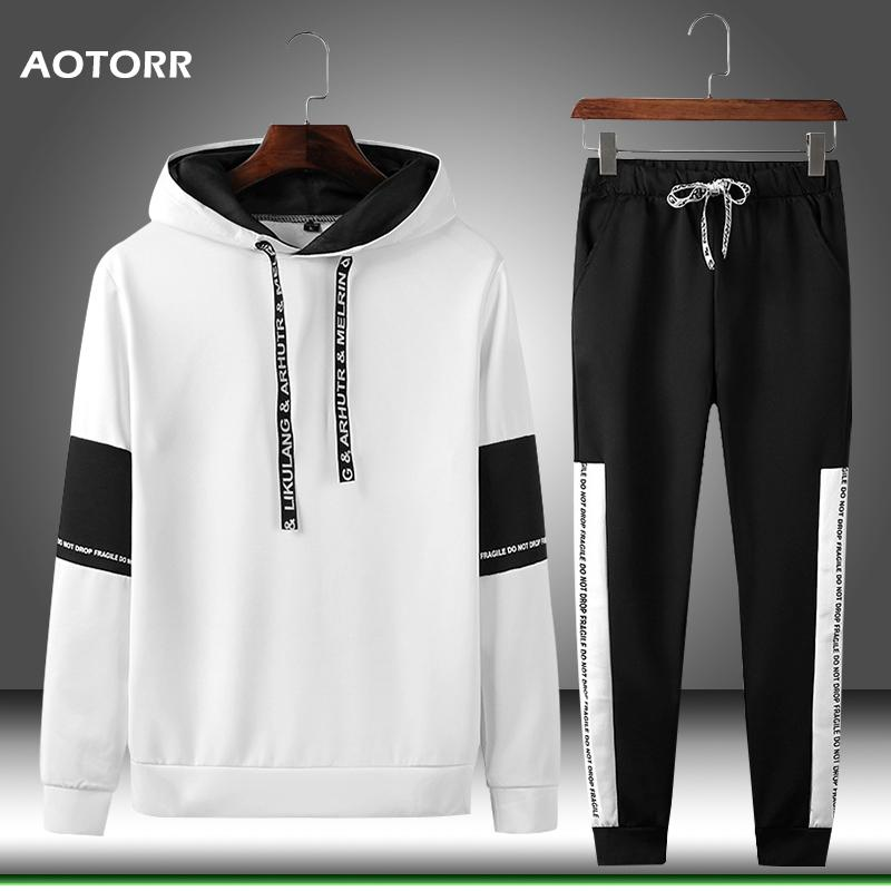 Sweats à capuche pour hommes Sweatshirts Printemps Tracksuit Set Hommes Sportswear Sweatswear Sweat-shirt Jogger Gyms Casual + Pantalon de survêtement Mens Sport Suit 2021 Style