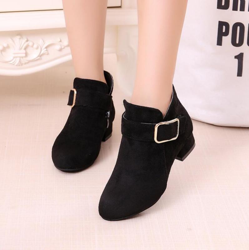 Meninas Moda Botas de esporte de couro Sapatos Para Crianças Mid Heel quente botas Curto suave inferior Snow Princess Crianças Sneakers