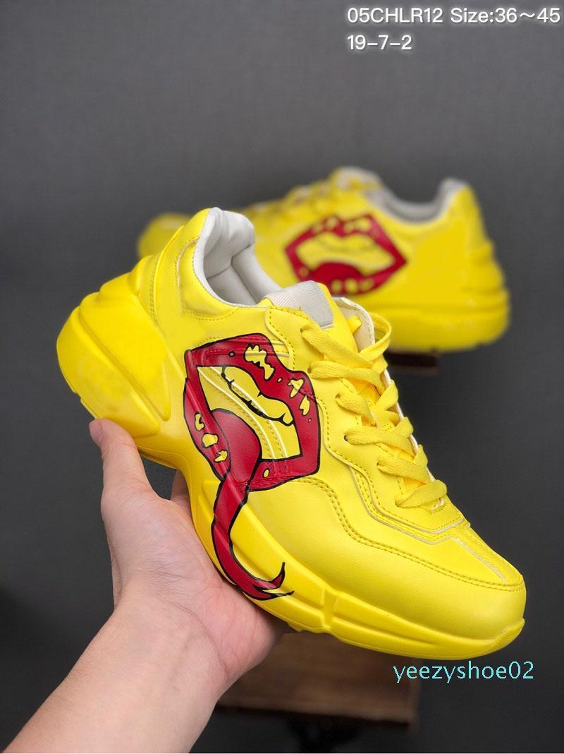 2019 Mais recente couro Rhyton sapatos masculinos de tênis de grife com morango onda boca do tigre impressão de luxo instrutor Vintage mulheres desenhista calça Y02
