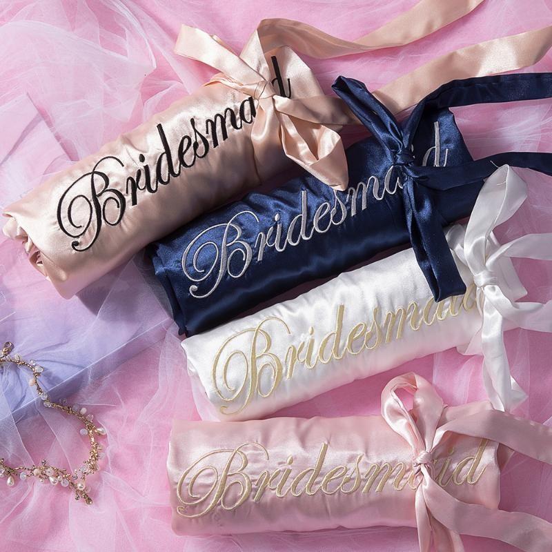 Robe de peignoir de broderie Lâche Kimono Mariage Intime Heightwear De demoiselle d'honneur Satin Satin Sexy Robe de mariée Lingerie Nightwear JQQPW