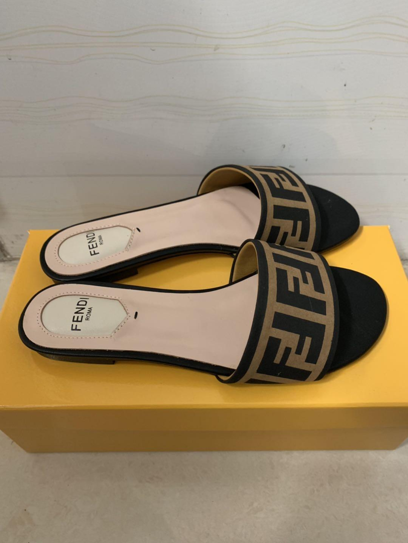 Damenmode Rutschen, Sandalen und Pantoffeln, Seidenstoff, Sechs-Farben-Sammlung,