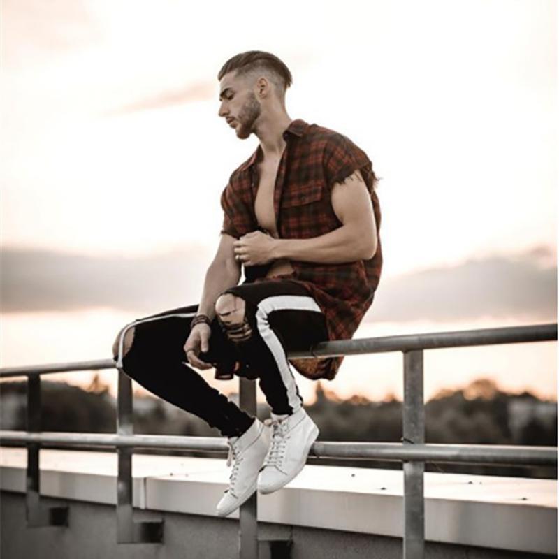 Mens laterali Stripe Skinny Fit Black Denim Jeans Hip Hop Streetwear slim fit leggeri di cotone Jeans Uomo