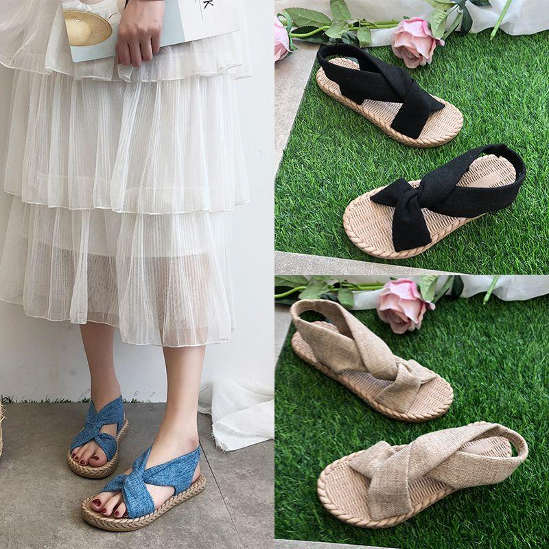 Yaz Klasik Roman Çapraz Sandalet Kadınlar Trendy Popüler Moda Kadın Öğrenci Düz Tabanlı Sandalet Bayan Açık Beach Ayakkabı