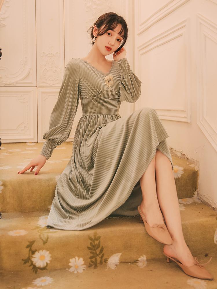 Mujeres se visten de otoño de la vendimia del estilo coreano de la mejor serie de Calidad verde de terciopelo con cuello en V manga farol 1102