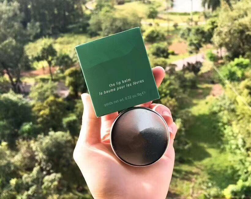 01 Top qualidade Hidratante o batom 9g le baume pour les levres melhor reparação Lip pele free shopping