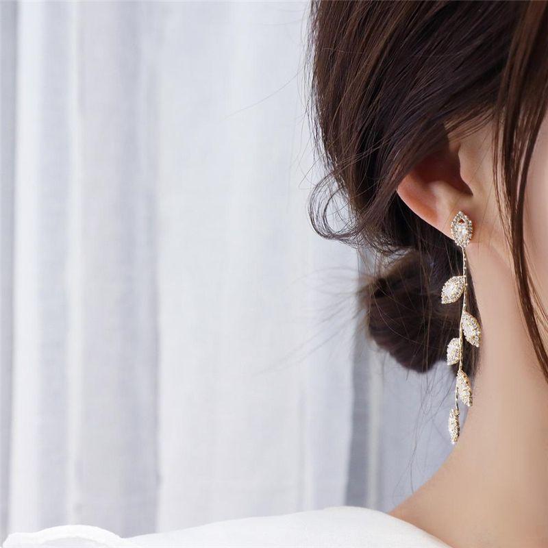 Uzun zarif mikro elmas zirkon püskül yaprak küpe kadın süper flaş nazik Stud Küpe Düğün Takı kolye 2020 yeni moda