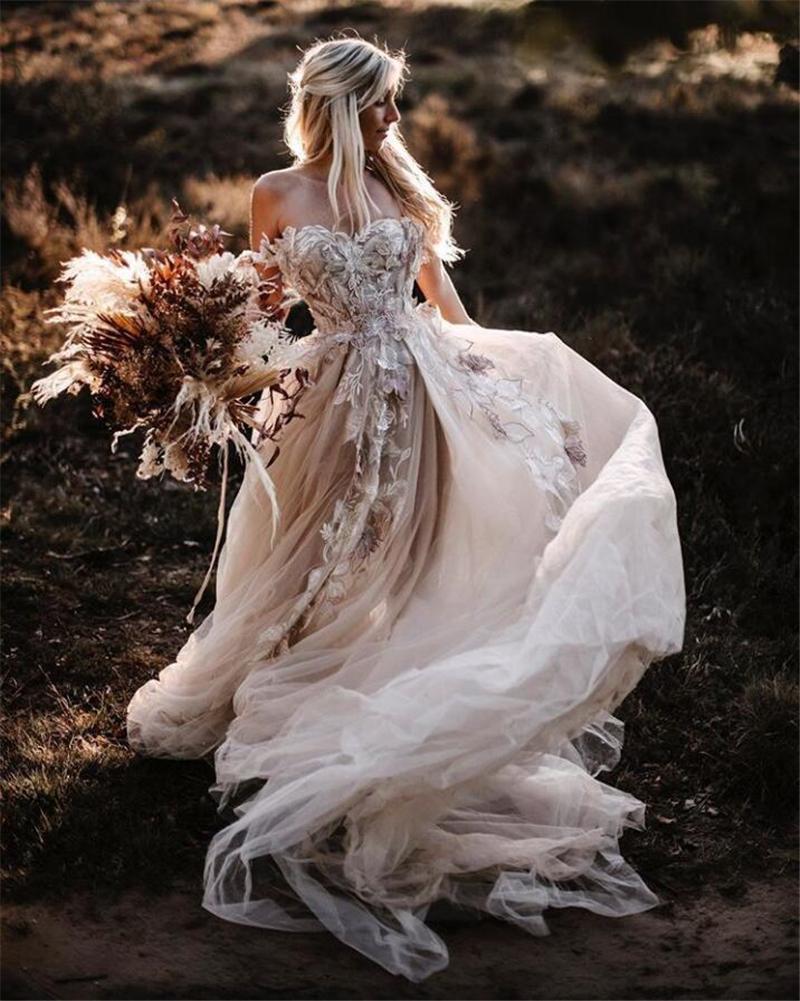 Romantische Blumen Spitze Land Brautkleider Eine Linie Schulterfrei Backless Sexy Tüll Strand Boho Brautkleider Lange Böhmische Braut Kleid