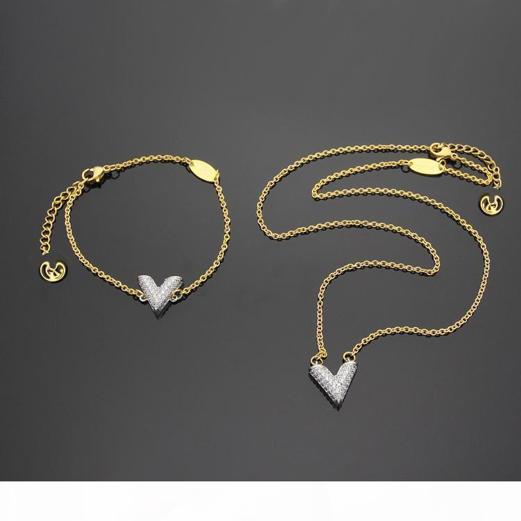 Aço inoxidável sem desbotamento da cor do ouro para mulheres colar de ouro Cor cadeia pingente de Zircônia cúbica Colares