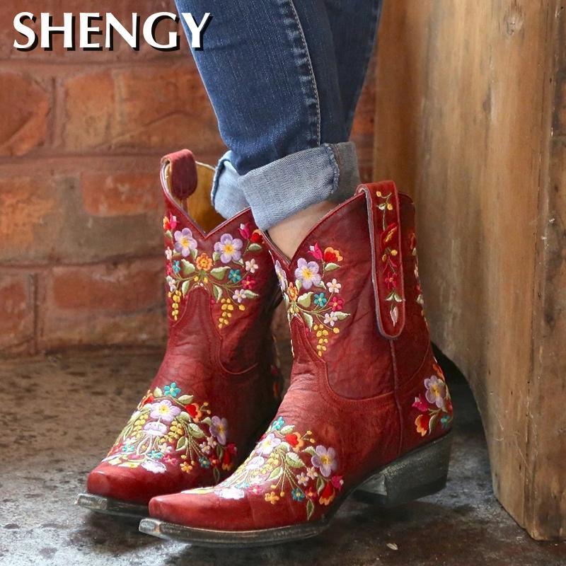 النساء أحذية فاخرة التطريز أشار تو الشتاء أحذية نسائية مصمم أحذية مريحة بوتاس العلامة التجارية في الهواء الطلق جرافات واقية من لبس