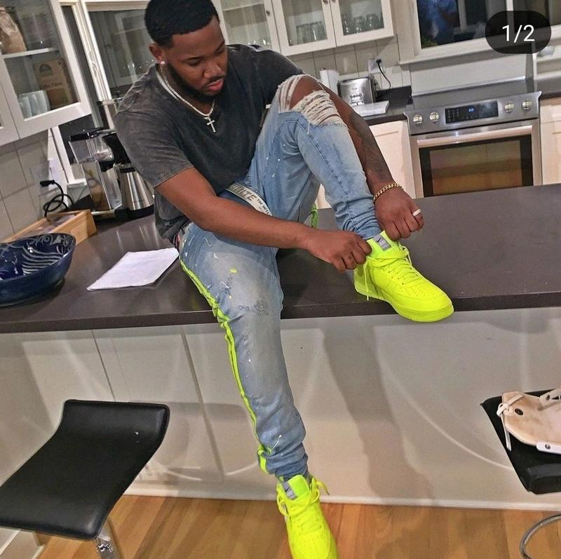 los hombres pantalones vaqueros de diseño de alta calidad de los hombres de color amarillo neón líneas de color mosaico jeans rotos agujeros de mezclilla pantalones elásticos 2Mjr #