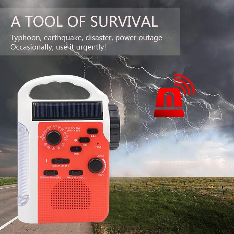 7 Dans 1 multifonction Bluetooth AM / FM solaire Carte d'urgence TF Haut-parleur à manivelle Led extérieur lampe Radio lecture