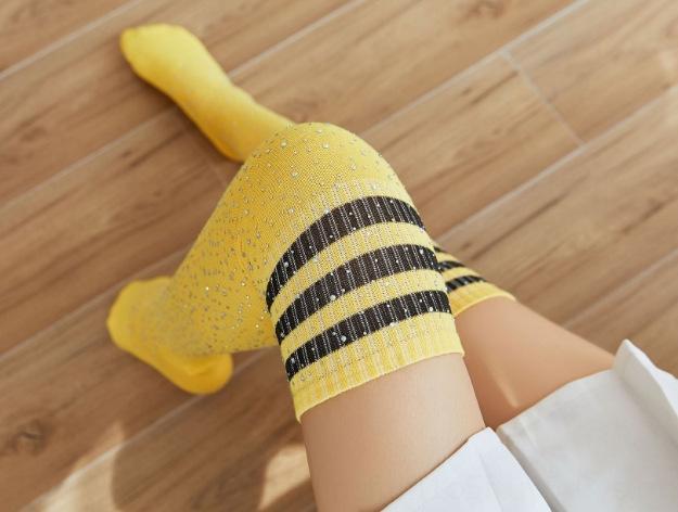 Uw6d5 Heiß-Verkauf des Knie gekämmte Baumwolle Frauen Bohrer 3-teiligen lange Socken über den heißen Strümpfe Strümpfe Socken