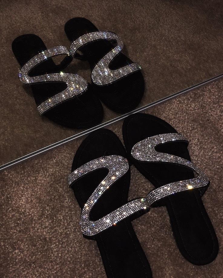 2020 Yaz yeni sandalet kadın Roma elmas Sandalet ve Terlik tarzı terlik rahat düz boyut