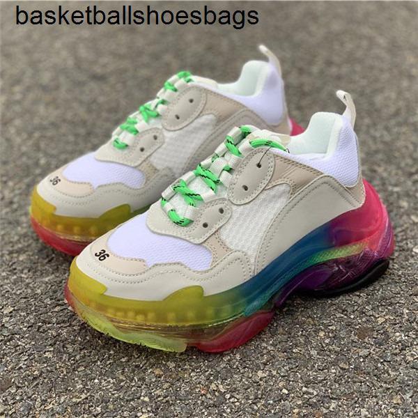 Inferiore a cristallo all'ingrosso Parigi 17FW Triple S del progettista del Mens Sneakers Vintage papà piattaforma delle donne di marca dei pattini casuali allenatori sportivi